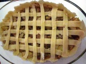 פאי עוגת תפוחים ומייפל טבעונית