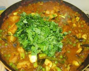 תבשיל ירקות רוטב טיקה מסלה טבעוני