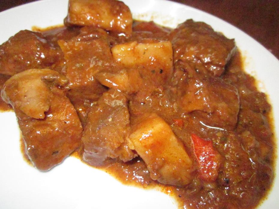 גולש הונגרי טבעוני: תחליפי בשר טבעוניים