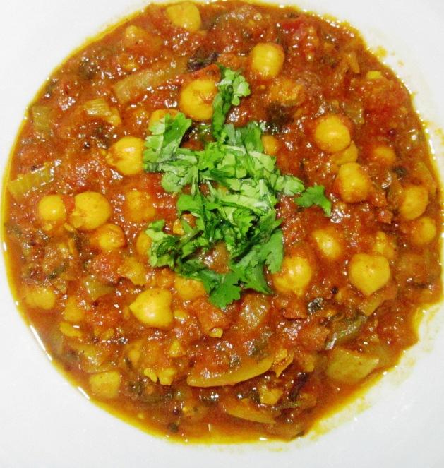 צ'אנה מסלה ארומטי: תבשיל חומוס הודי