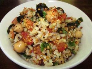 סלט טבעוני בלי שמן מאורז מלא