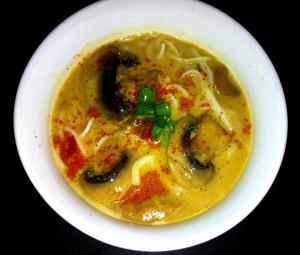 מרק פטריות תאילנדי טבעוני