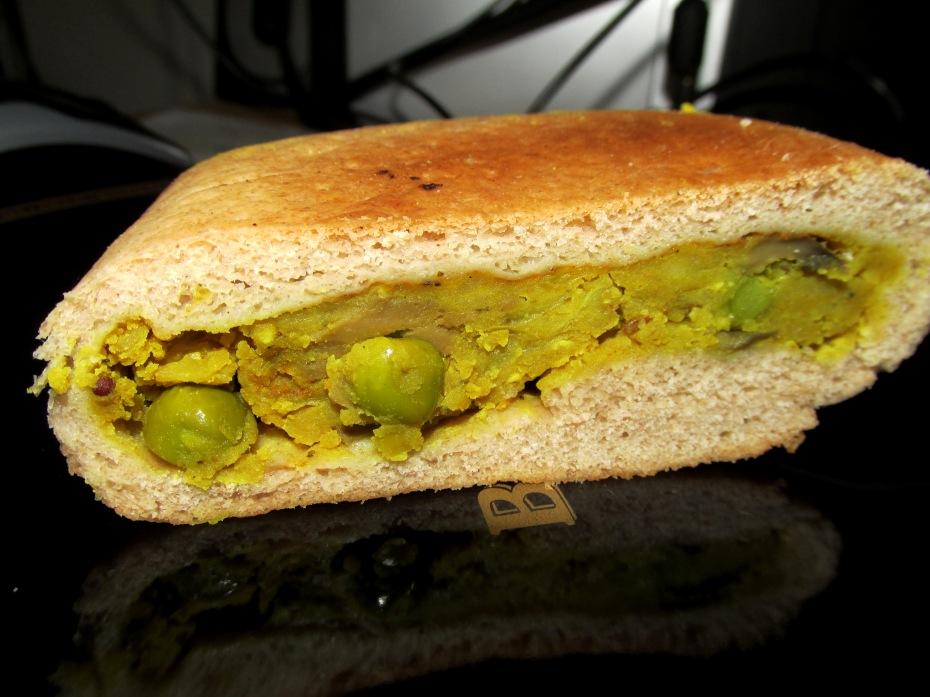 מאפה טבעוני עדשים ופטריות בסגנון הודי